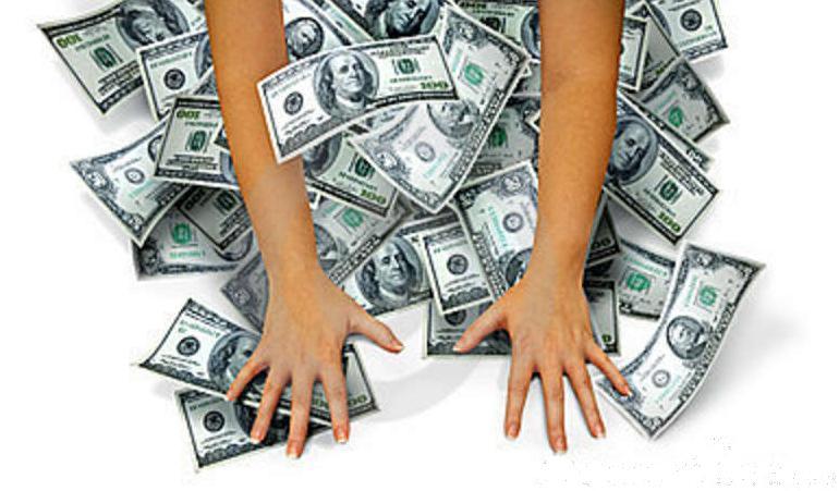Bancomer roba a manos llenas